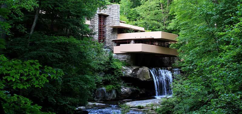خانه آبشار از آثار معماری ارگانیک